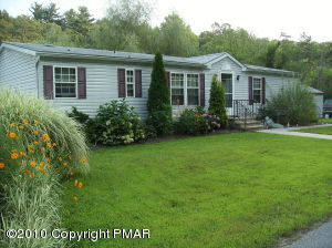 Pocono Mountains Lakefront Home for Sale Cheap!